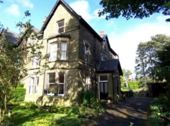 2 bedroom flat to rent in Buxton